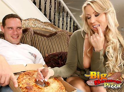 big-sausage-pizza-carolyn